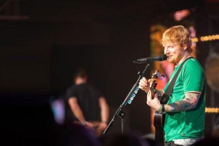 ed-sheeran-stage